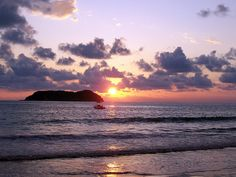Manuel Antonio Sunset by Xiaozhuli, via Flickr