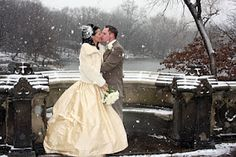"""This bride and groom look like they are in a """"shaken up"""" snow globe! AnnaMarie MN Wedding Officiant is booking now for MN Winter Weddings! Wedding Kiss, Winter Wonderland Wedding, Wedding Beauty, Wedding Bells, Dream Wedding, Christmas Wedding, Wedding Fur, Christmas 2019, Vestidos"""
