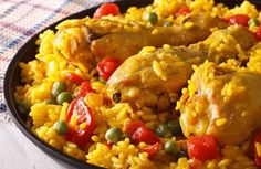 Easy chicken rice, a recipe of a lifetime Yellow Rice Recipes, Chicken Rice Recipes, Easy Chicken And Rice, Peruvian Chicken, Peruvian Cuisine, Fire Food, Quick Meals, Street Food, Mexican Food Recipes