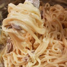 Λιγκουίνι με κρέμα γάλακτος, μπέικον και μανιτάρια Cookbook Recipes, Cooking Recipes, Spaghetti, Ethnic Recipes, Food, Chef Recipes, Essen, Meals, Eten