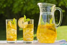 There are so many reasons to love tea: The crisp yet complex taste, the way it relaxes the nerves, its ability to wake you up, and its warmth that brings people together. Click the link to see the recipe. The Very Best Iced Tea Fun Drinks, Yummy Drinks, Healthy Drinks, Yummy Food, Healthy Recipes, Beverages, Best Iced Tea Recipe, Iced Tea Recipes, Making Iced Tea