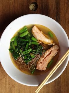 Comfort food ~ Soba Noodle Soup with Slow Roasted Salmon and Chinese Vegetables #healthy #lunch