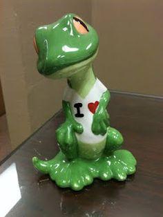 Ceramic painted gecko w/ I heart State Farm!