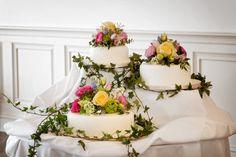 Fantastic floral and wedding cake!