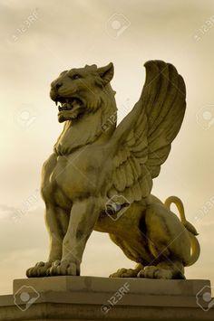 A true Griffin has the head of an Eagle, not a Lion. Animal Statues, Animal Sculptures, Sculpture Art, Architecture Romane, Architecture Art, Mythological Creatures, Mythical Creatures, Griffon Tattoo, Greek Statues