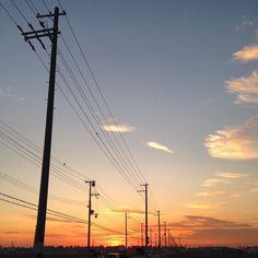 いつかの夕空 . . . #夕焼け#夕空#sunset  #電柱 #telephonepole by mihoko_1225