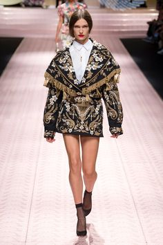 430b4479 Dolce & Gabbana Spring 2019 Ready-to-Wear Fashion Show Collection: See the