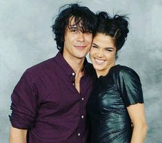 The Blakes ❤️ // The 100 cast - Bob Morley, Marie Avgeropoulos The 100 Cast, The 100 Show, It Cast, Marie Avgeropoulos, Bellarke, The 100 Serie, Bellamy The 100, The 100 Poster, The 100 Characters