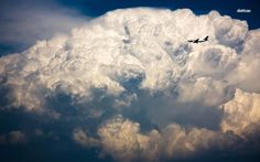 boeing over the cloud