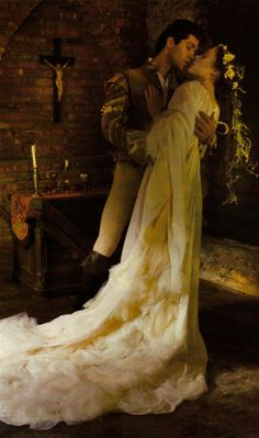 Coco Rocha and Roberto Bolle in Vogue US December 2008 by Annie Leibovitz as Romeo and Juliet Annie Leibovitz, Story Inspiration, Character Inspiration, Love Of A Lifetime, Nicholas Sparks, Vogue Us, Foto Art, Romeo And Juliet, Happily Ever After