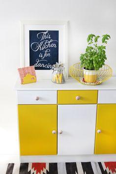 * magnoliaelectric: Alte Kommode farbig streichen {DIY-Anleitung}