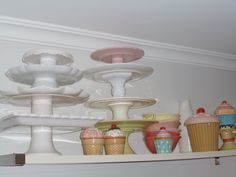 Cake stands and cupcakes