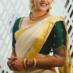 Kerala Saree Blouse Designs, Half Saree Designs, Saree Blouse Neck Designs, Fancy Blouse Designs, Bridal Blouse Designs, Designs For Dresses, Indian Blouse, Sari Blouse, Indian Sarees