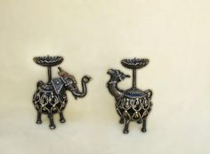 Metal Incense Burner in Animal theme. Material- Brass Technique- Handmade M.O.Q- 50 Pieces Sizes- 100 gm- 400 gm Feel Free to get in touch in case of any query