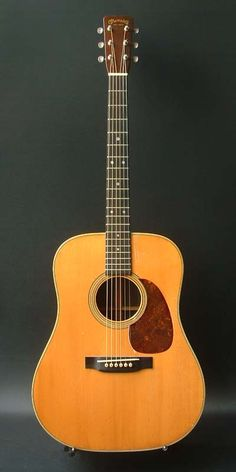 Martin D-28  (1953) : Adirondack Spruce top, Brazilian Rosewood back & sides
