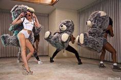 Imágenes durante la grabación del nuevo video de Miley Cyrus