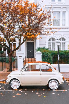 You are in the right place about Vintage Cars muscle Here we offer you the most beautiful pictures a Fiat 500, Retro Cars, Vintage Cars, Vintage Phones, Cute Cars, Small Cars, Aesthetic Vintage, Future Car, Car Wallpapers