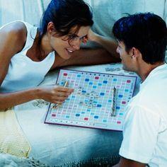 <p>Lors d'une partie de Scrabble, faites en sorte de ne mettre sur le plateau que des mots en rapport avec votre grossesse. Papa, bébé… L'idée n'&eacute...