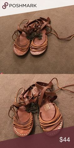 Free people sandal flats Worn but still in good condition! Free People Shoes Flats & Loafers