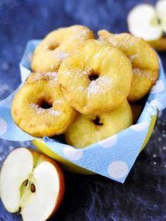 Beignets aux pommes très faciles : Recette de Beignets aux pommes très facile