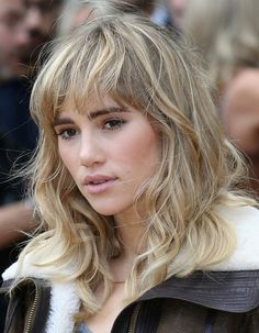 Pictures of Bangs Trends 2014 | 2014 Suki Waterhouse Medium Hairstyles: Wavy Hair with Blunt Bangs ...