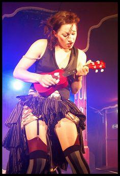 Amanda Palmer, a dangerous ukulele lady! Amanda Palmer, Dresden Dolls, Festivals In August, Cool Ukulele, Women In Music, Neil Gaiman, Female Singers, Up Girl, Music Stuff