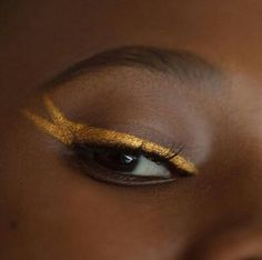 Uploaded by gene. Find images and videos about makeup, gold and eyeliner on We Heart It - the app to get lost in what you love. Jordy Baan, Celine, The Wicked The Divine, Catty Noir, Behind Blue Eyes, Hazel Levesque, Gold Aesthetic, Aesthetic Eyes, Witch Aesthetic