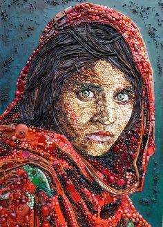 Afghan girl portrait junk art by Jane Perkins Junk Art, Art Du Collage, Famous Portraits, Classic Portraits, Famous Photos, Iconic Photos, Afghan Girl, Found Object Art, Button Art