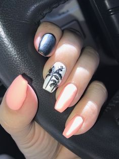 Palm tree summer nails