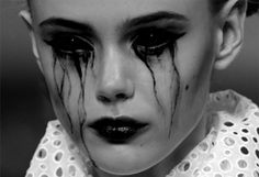 "Black tears from black eyes. ""Sclera lenses"" effect. Demon Makeup, Sfx Makeup, Dark Beauty, Halloween Zombie, Halloween Face Makeup, Makeup Inspo, Makeup Inspiration, Cosplay Make-up, Horror Make-up"