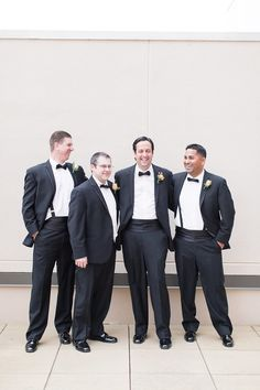 Downtown Richmond VA ivory and gold wedding photos by Shalese Danielle Photography