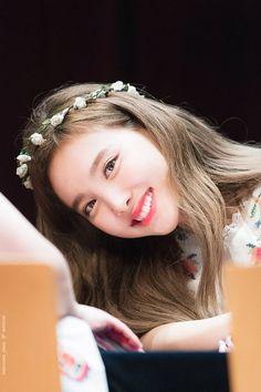 Twice-Nayeon 180721 Fansign Event South Korean Girls, Korean Girl Groups, Bts Kim, Twice Jyp, Chaeyoung Twice, Nayeon Twice, Kim Jisoo, Minatozaki Sana, Im Nayeon