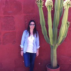 A linda e querida @aabiasouza em cenário inspirador em sua viagem pro Peru com sua jaqueta/ colete super versátil! 😍😍😍 #semprecoleteria #coleteria #colete #coletefeminino #coletejeans #jaqueta #jaquetajeans #jeans #multifuncional #ootd #lookdodia www.coleteria.com.br