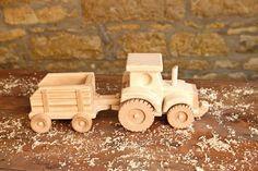 Wooden Farm Tractor and Wagon Toy por KringleWorkshops en Etsy