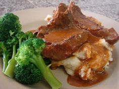 Slow Cooker London Broil Recipe - 2 lb. beef roast,1 can cream of mushroom soup,1 can tomato soup, 1 tsp. Garlic, cracked pepper, 1 TBSP Worcestershire sauce, lipton onion soup or brown gravy packet. Cover and cook on low for 8 hrs.