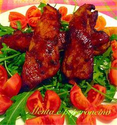 """La """"Ricetta Costole di maiale speziate glassate al miele"""" è un secondo succulento... per realizzare questo piatto visitate il mio blog http://mentaepeperoncino.com""""."""