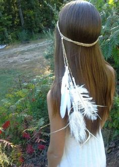 New to dieselboutique on Etsy: white Feather HeadBand Native American style wedding bridal boho wedding veil hippie bohemian bride ivory braided gypsy USD) Hippie Bohemian, Hippie Chic, Hippie Style, Bohemian Bride, Hippie Party, Native American Wedding, Native American Fashion, Native American Dress, Gypsy Wedding