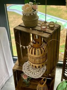 Pour vos ambiances déco, ces caisses en bois sont parfaites ! Picnic, Decorative Boxes, Basket, Outdoor, Home Decor, Townhouse Interior, Outdoors, Decoration Home, Room Decor