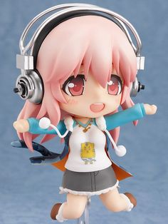 Super Sonico Nendoroid-- its nice to see sonico in a non-sexual way for once. this is cute <3