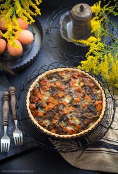 Jesienna tarta z pieczoną dynią i podgrzybkami.
