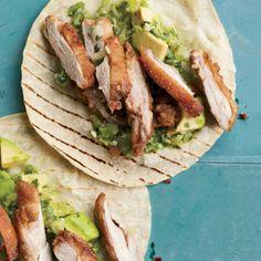 Изображение рецепта Такос с курицей и авокадо