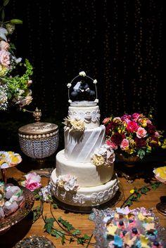 O encontro entre o rústico e o romântico e leves toques de boho, cerimônia e festa intimistas e elegantes, um casamento rico em cada um de seus detalhes, lindo de viver!