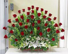 Arreglo abanico con 50 rosas @ Tropica Floreria