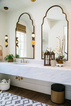 You can never have too many accessories, even in your bathroom!