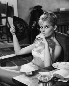 Brigette Bardot.... looking perf!  No washboard abs, no crazy guns - just a perfect female body!  Thanks Mdme. Bardot for still serving as inspiration!!!