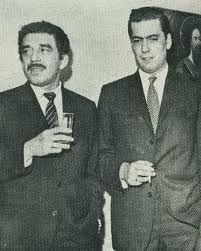 Gabriel García Marquez y Vargas Llosa.. en esos tiempos .. creo que antes que Mario le diera una cachetada a Gabriel por ser un lover boy