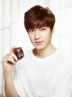 nice LeeMinHo for Innisfree (>^ω^ Lee Min Ho Smile, Lee Minh Ho, Dance Sing, Kim Joon, Boys Over Flowers, Lee Jong Suk, Drama Korea, Drama Film