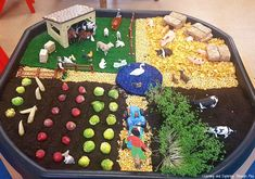 Farm Activities for Preschool Bring the farm to your settings with these wonderful sensory activities and role play areas. Farm Animals Preschool, Farm Animal Crafts, Farm Crafts, Animal Crafts For Kids, Preschool Farm Theme, Eyfs Activities, Nursery Activities, Animal Activities, Preschool Activities