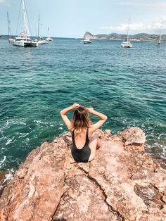 IBIZA Tipps: Die schönsten Strände, Cafés & Restaurants - Reise Tipps, Travel Tips, Travel Diary Ibiza, Ibiza Strände, Ibiza Stadt, Ibiza Urlaub, Urlaub, Holidays, Cala Tarida, Beach, Ibiza Beach, Cala Comte, Cala de Conte, cala bassa Menorca, Ibiza Travel, Spain Travel, Cafe Restaurant, Ibiza Hotel, Ibiza Strand, Ibiza Beach, Ibiza Fashion, Foto Instagram