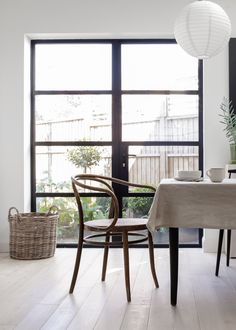 Minimalist industrial style kitchen with crittall doors - Design Minimal Kitchen Design, Minimalist Kitchen, Crittal Doors, Industrial Style Kitchen, Door Design, Living Area, Room Inspiration, Crittall, Dining Chairs